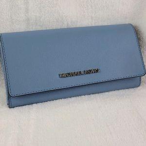 Michael Kors Large carryall wallet-powder blue
